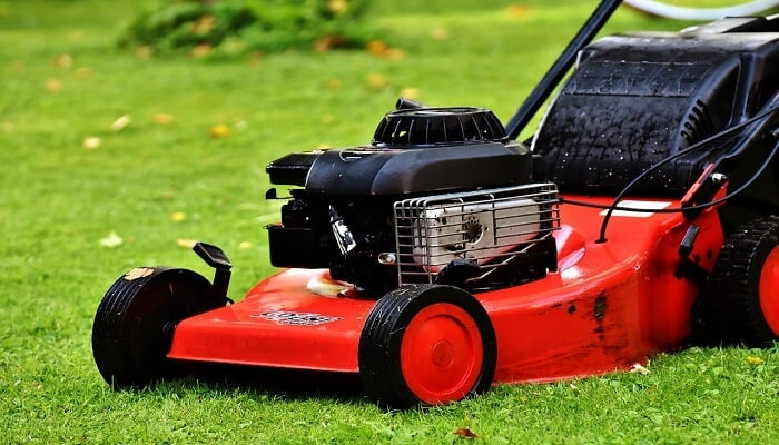 how does a lawn mower work